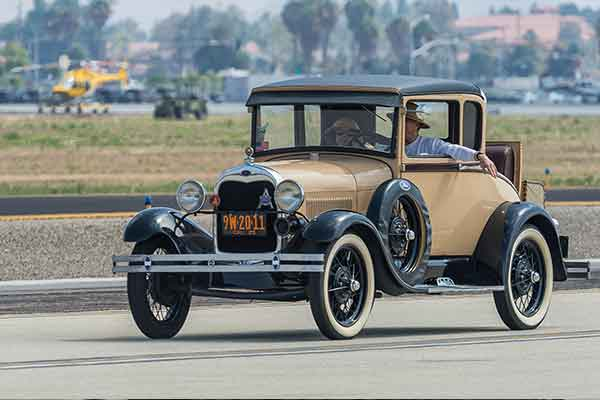 Display your classic car at the Wings Over Camarillo Air Show